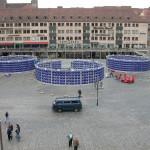 Der Parcour führt durch 22 Szenenbilder in die zentrale Lichtinstallation