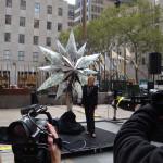 Der Swarovski Stern für den Weihnachtsbaum in New York bei der Präsentation auf dem Rockefeller Plaza