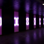 Eine interaktive Lichtinstallation in der Fussgängerunterführung im Bahnhof Aarau.