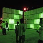 Berlin - Jeweils 1x konventionelle 150W Glühbirne in 144x Wassertanks