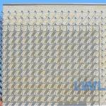 Die Lichtinstallation von Otto Piene an der Fassade des Anbaus entstand in den 1970er Jahren.